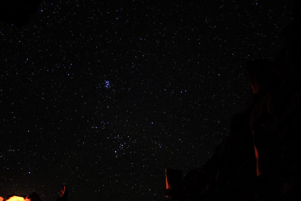 海外絶景ヨルダンの満天の星空の下でキャンプ