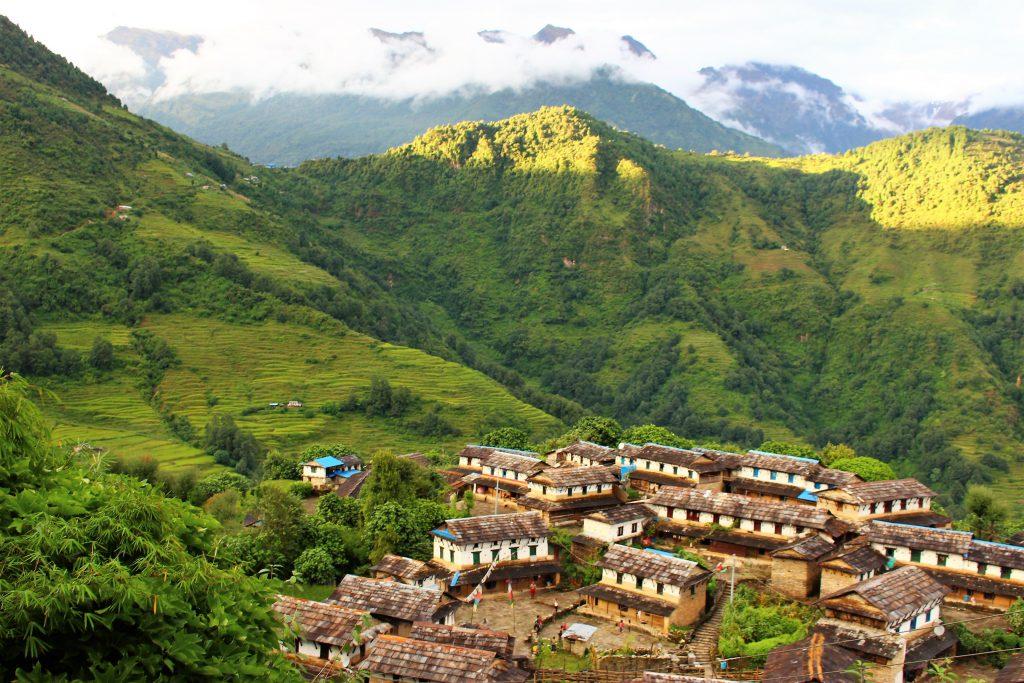 ネパール旅行アンナプルナベースキャンプでトレッキング山登り