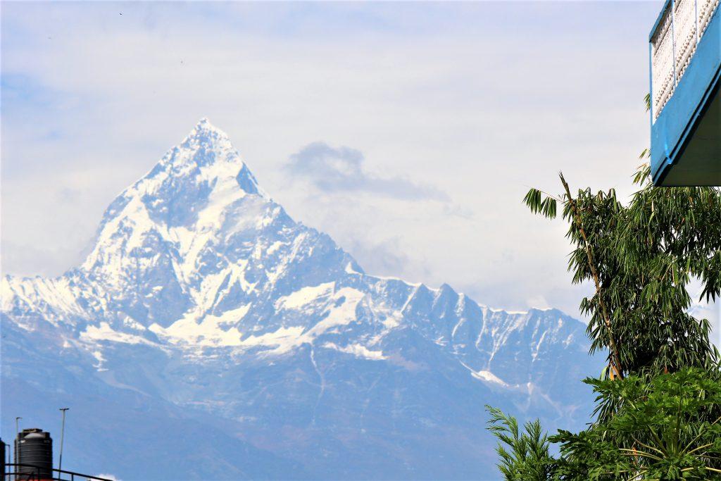 ネパール旅行アンナプルナベースキャンプでトレッキング山小屋の景色