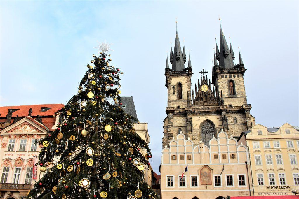 チェコのクリスマスマーケット ニコラスデー