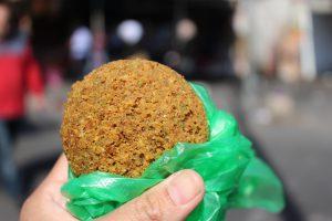 中東イスラエル旅行美味しいご飯ケバブファラフェル豆のコロッケ