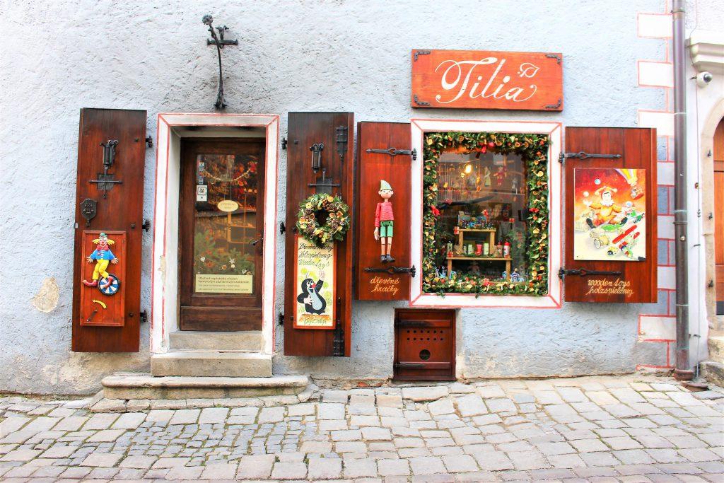 チェコの世界一美しい街チェスキークルムロフがまるでテーマパーク