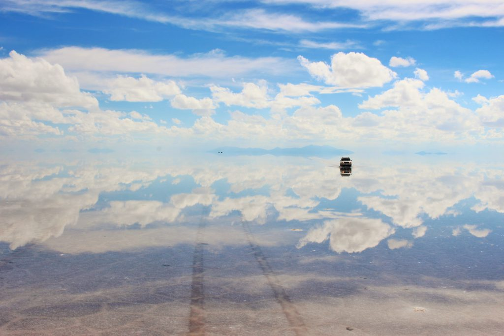 世界の絶景サンセットボリビアウユニ塩湖ドライブ