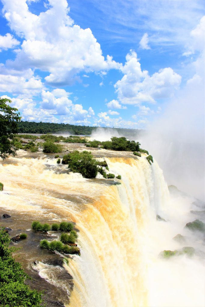世界一周旅行南米絶景観光スポットイグアスの滝ブラジル側