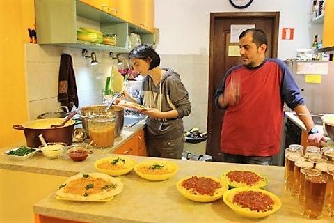 ブルガリアHOSTEL MOSTEL(ホステルモステル)の夕食