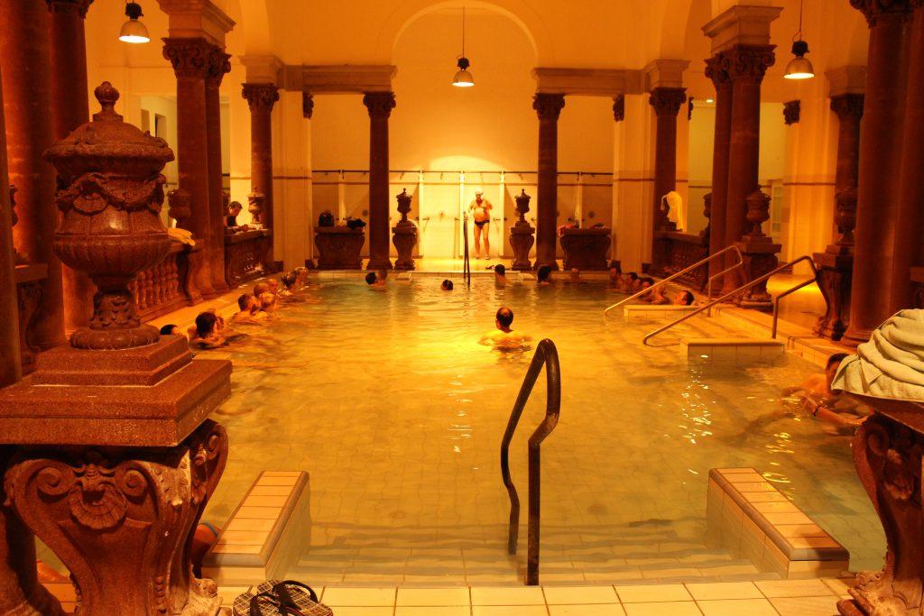 ヨーロッパ旅行ハンガリーは温泉が有名