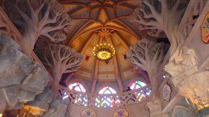 ディズニーランドパリお城内部の天井