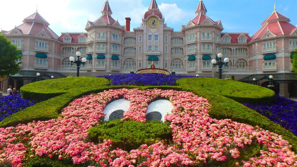フランス ディズニーランドパリがピンクで可愛い!