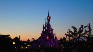 ディズニーランドパリお城と綺麗すぎる夕焼け