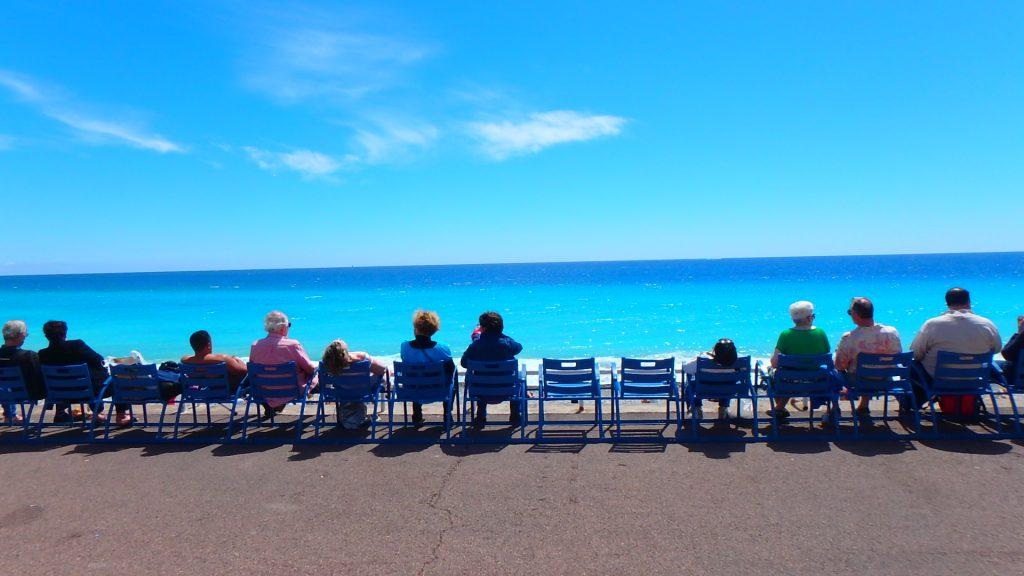 フランスニースコバルトブルーのビーチが綺麗すぎる