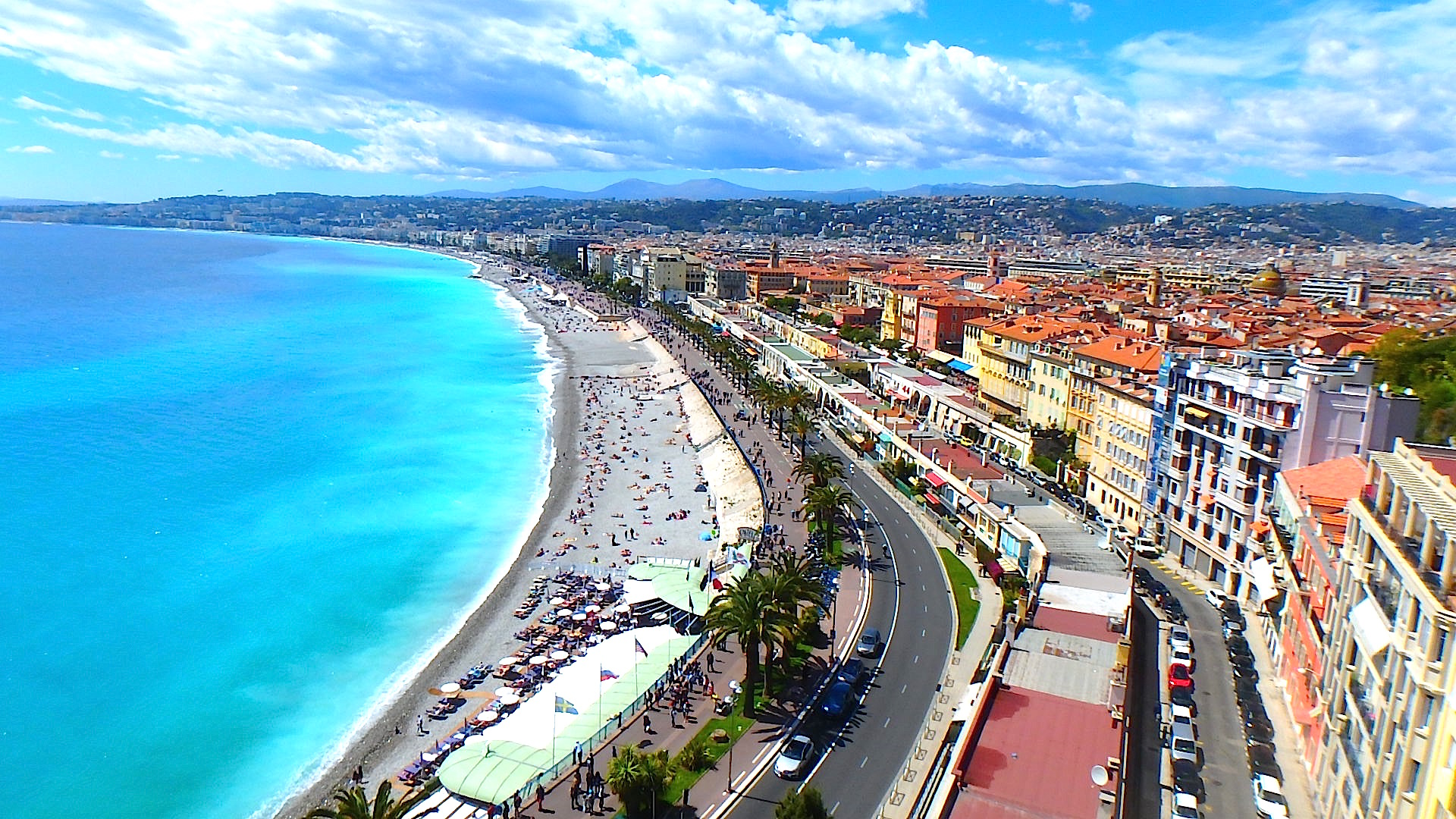 展望台から眺めるニースの街並みと海はまさに『絶景』です!