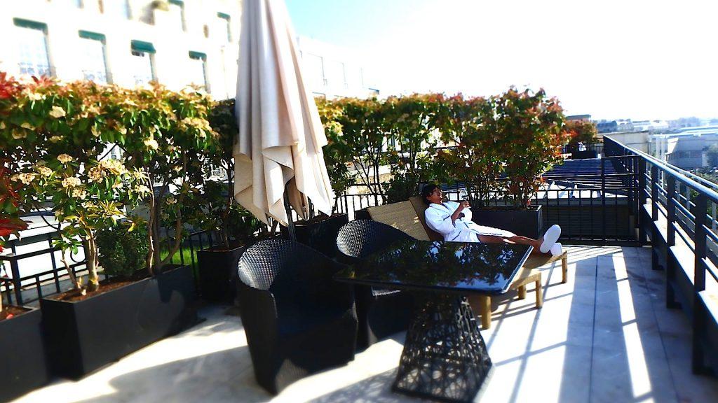 パリでおすすめの テラスのある絶景ホテル