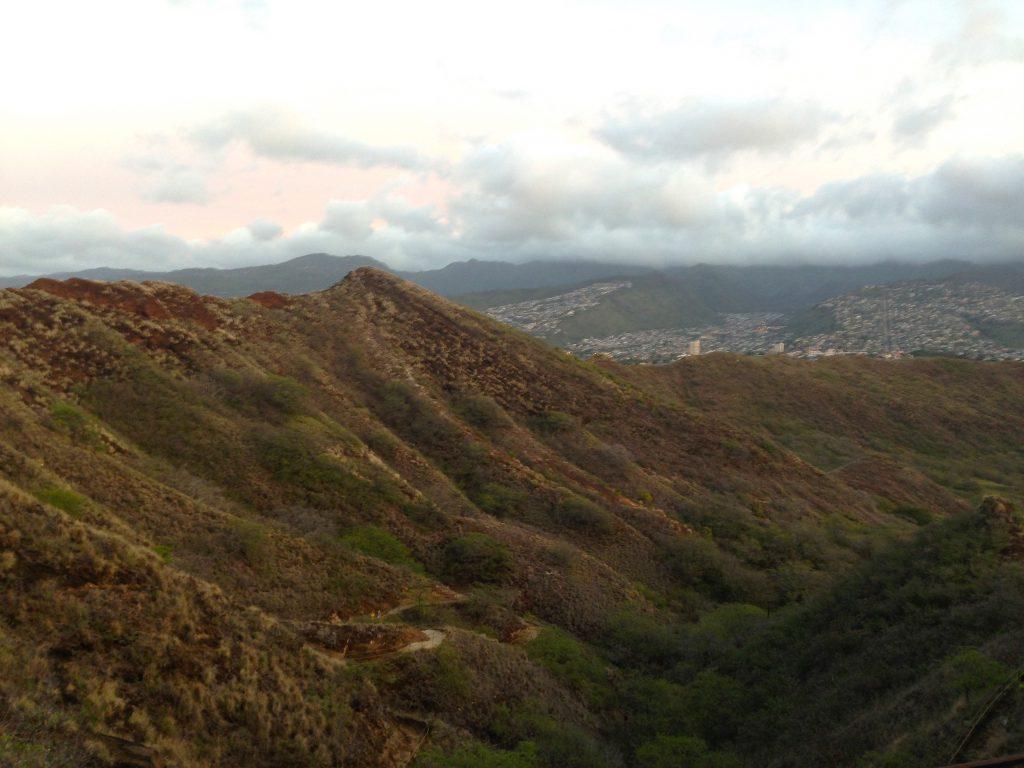 ダイヤモンドヘッド頂上からの景色ハワイトレッキング