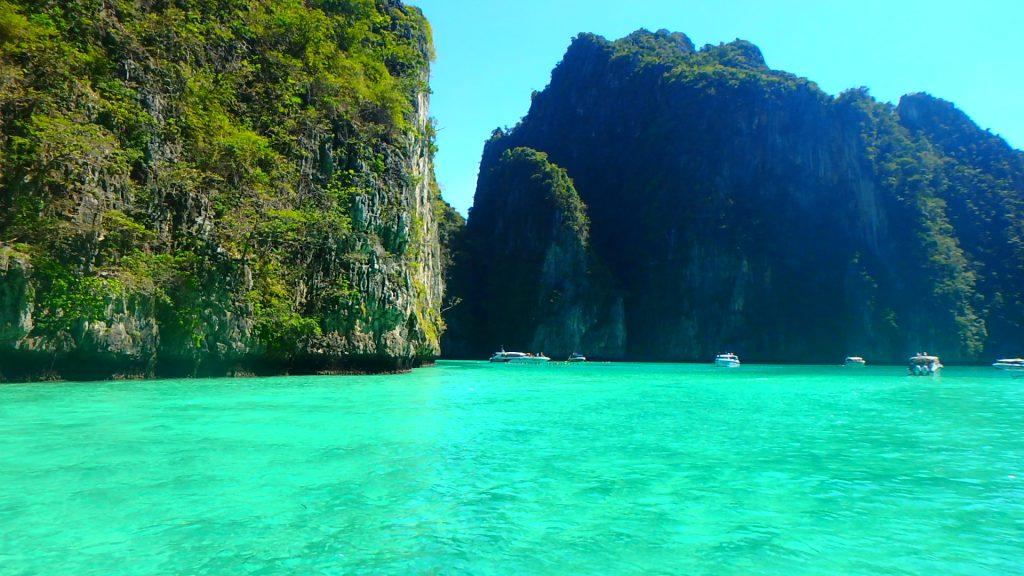 綺麗すぎる絶景の海ピピ島ピレーラグーン
