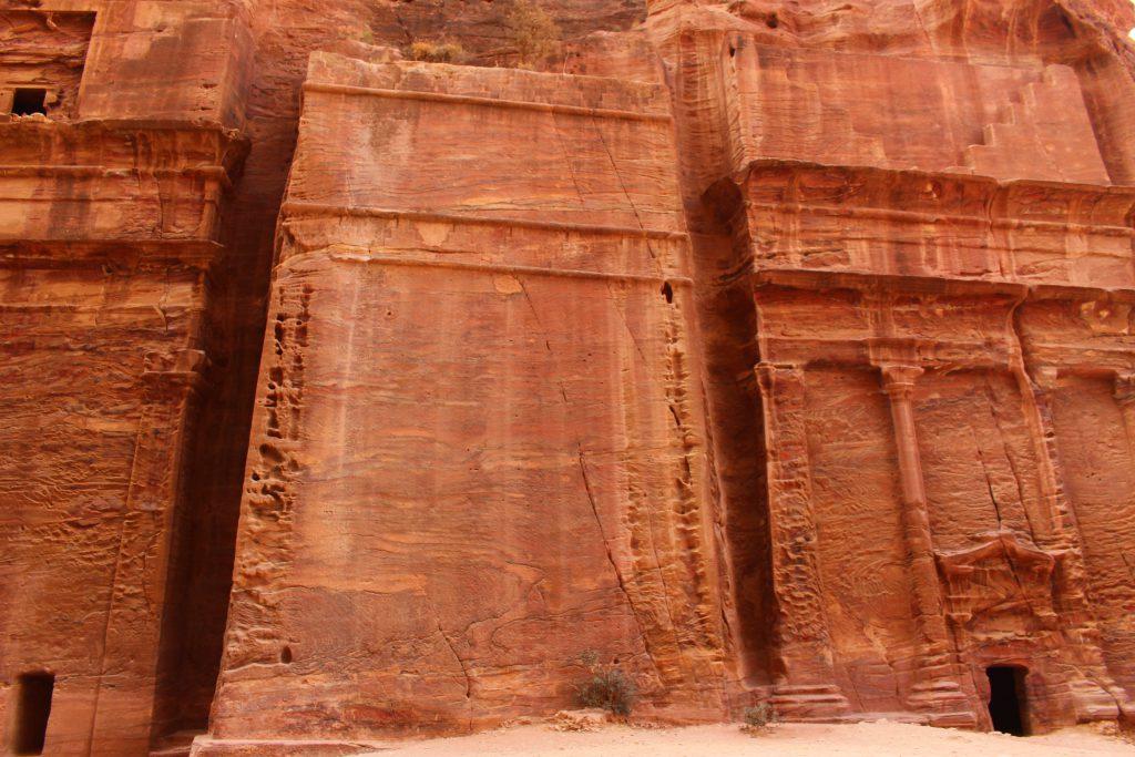 ヨルダン旅行絶景ペトラ遺跡に圧巻