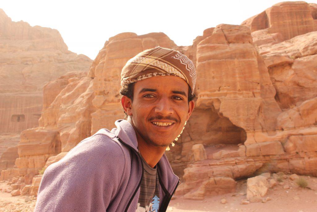 ヨルダン旅行ペトラ遺跡現地人