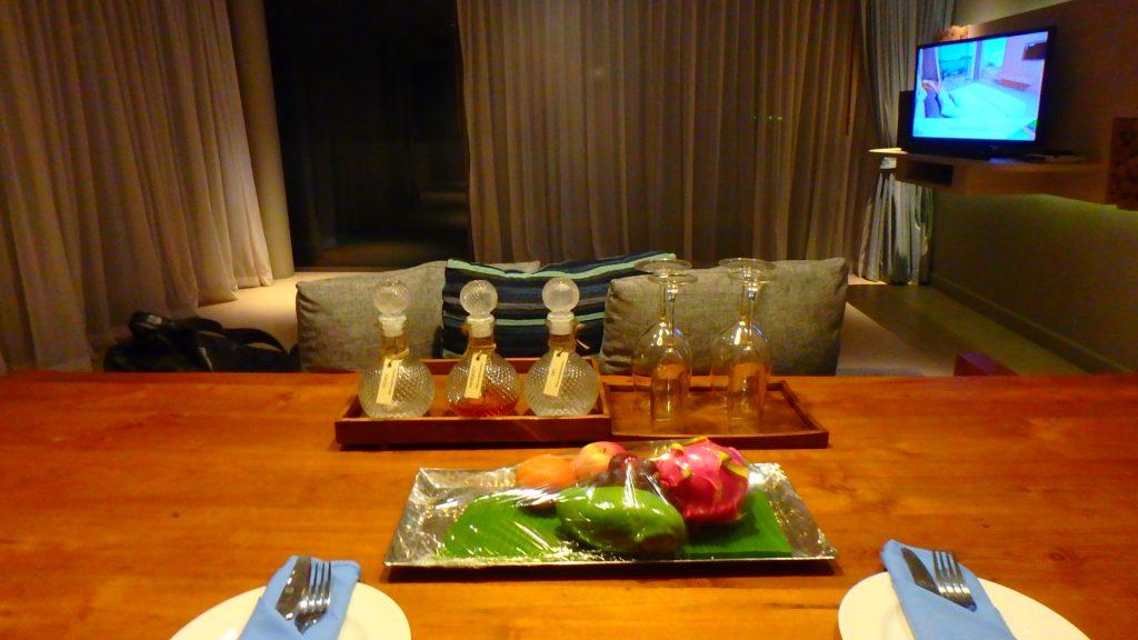 プーケットホテルカリマリゾートkalimaresortお酒とフルーツ
