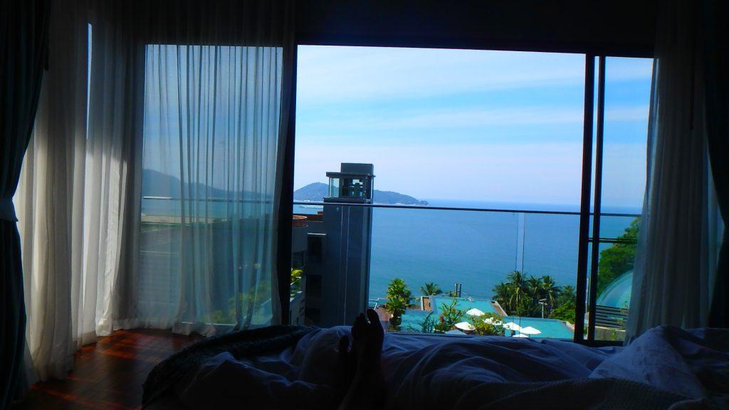 プーケットホテルカリマリゾートkalimaresortベッドからの眺め