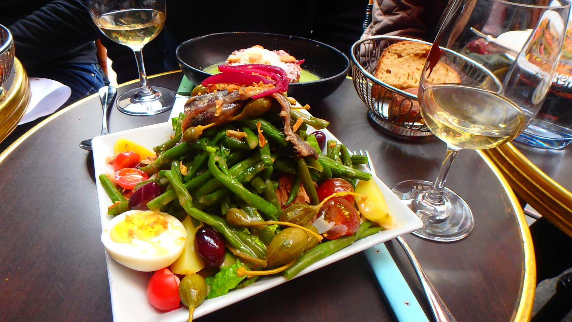 パリの人気ビストロLe Comptoir (ル コントワール)サラダ