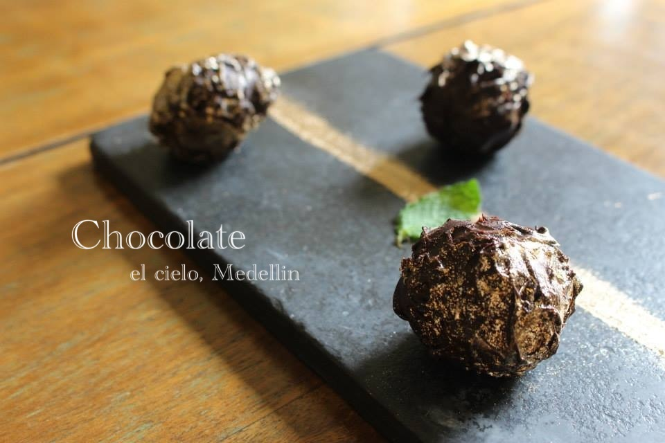 コロンビアのレストラン El Cielo チョコ