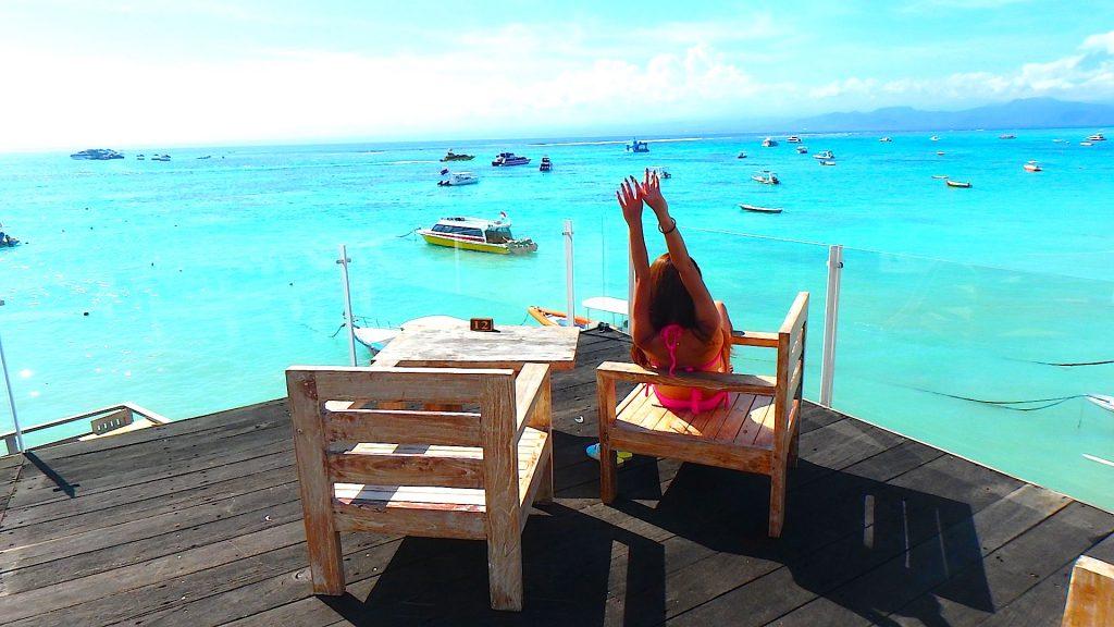 バリ島離島のレンボンガン島絶景ビーチのヴィラ