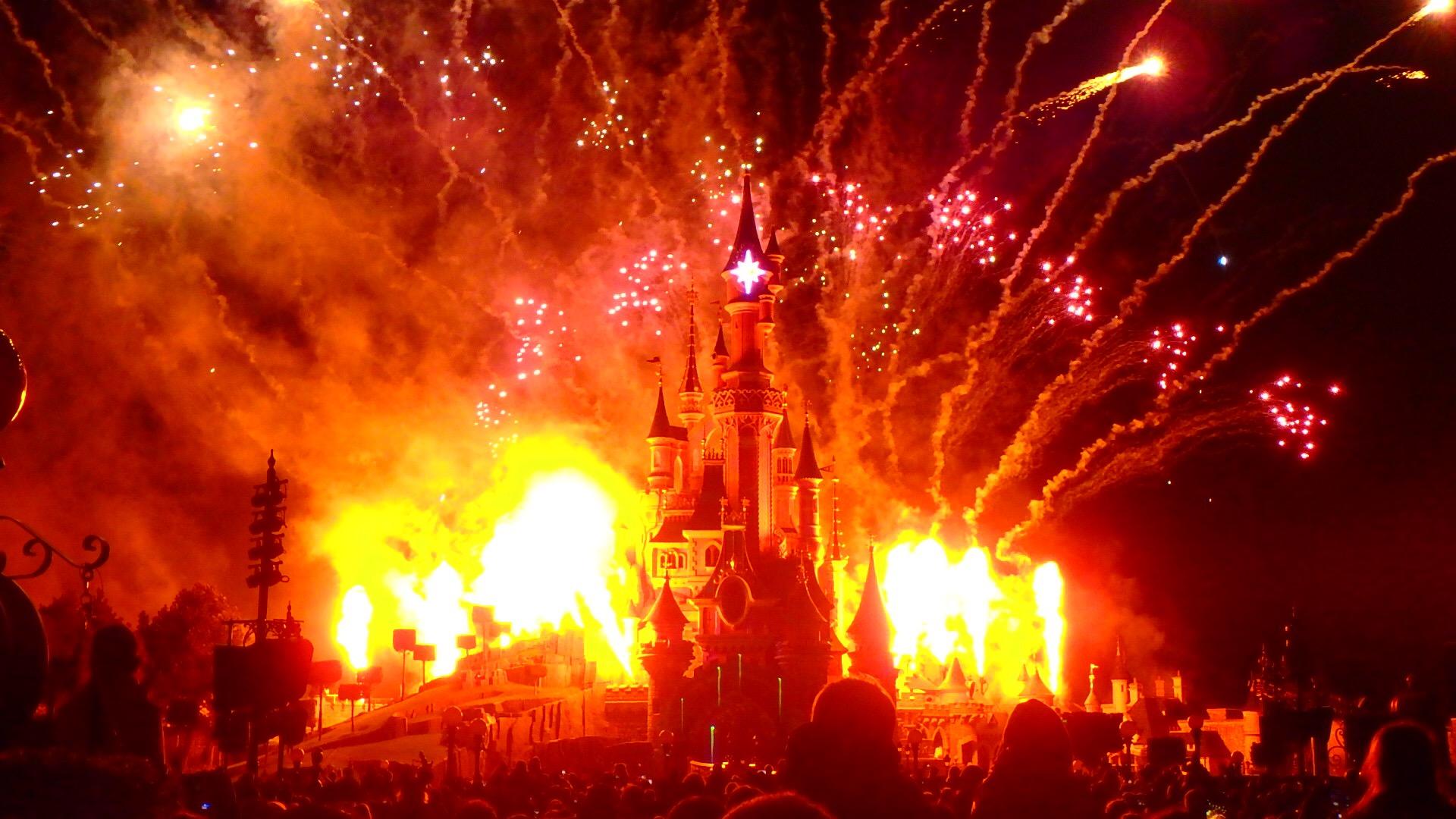 パリのディズニー 夜のショーと花火 ベストスポット