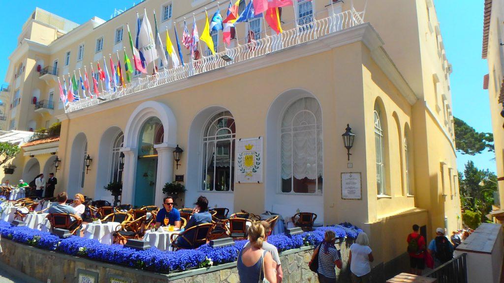 イタリアカプリ島は可愛すぎるカフェやレストランがいっぱい