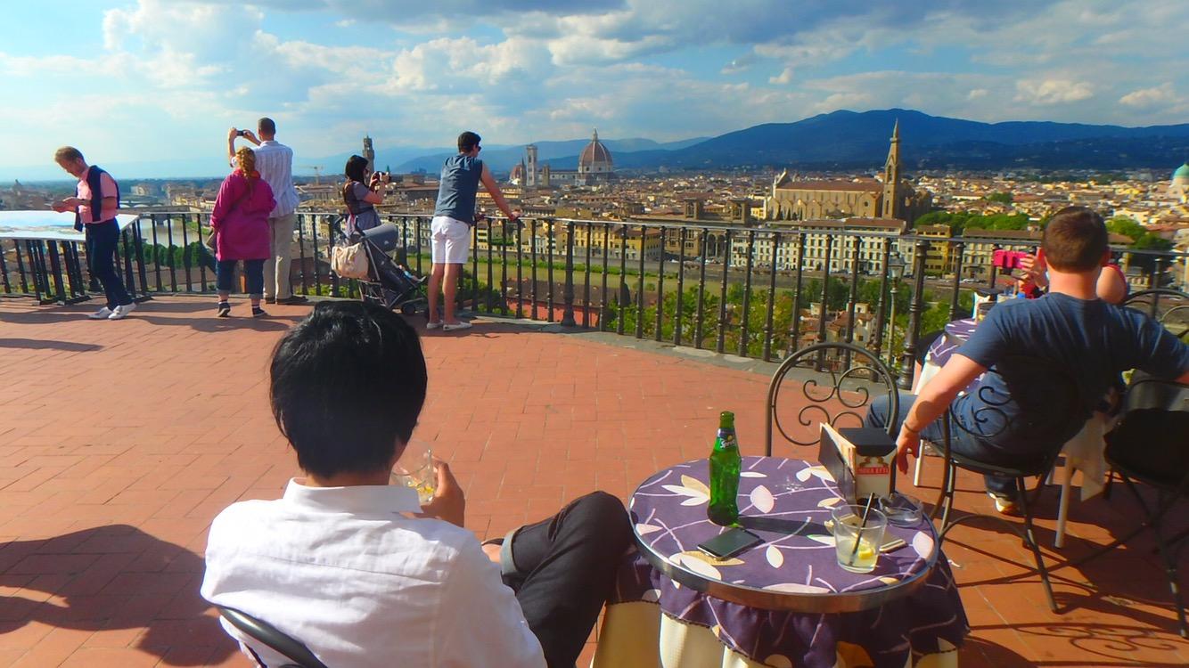 フィレンツェ 絶景カフェのテラス席