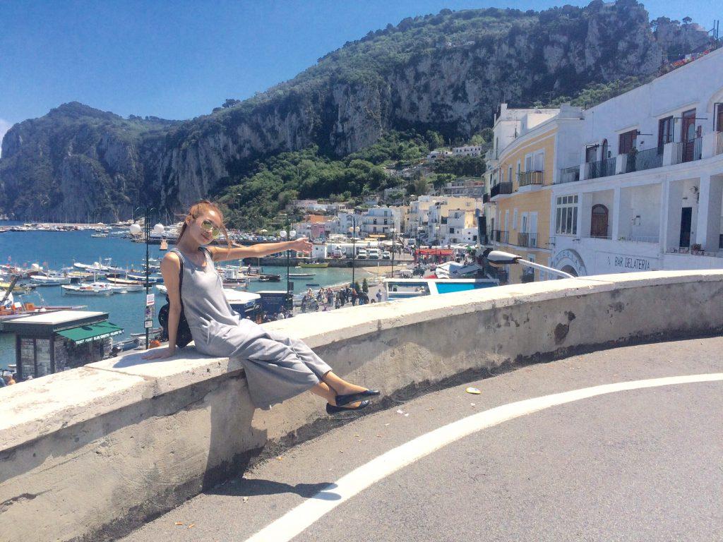 海外旅行 女性の服装 イタリア カプリ島