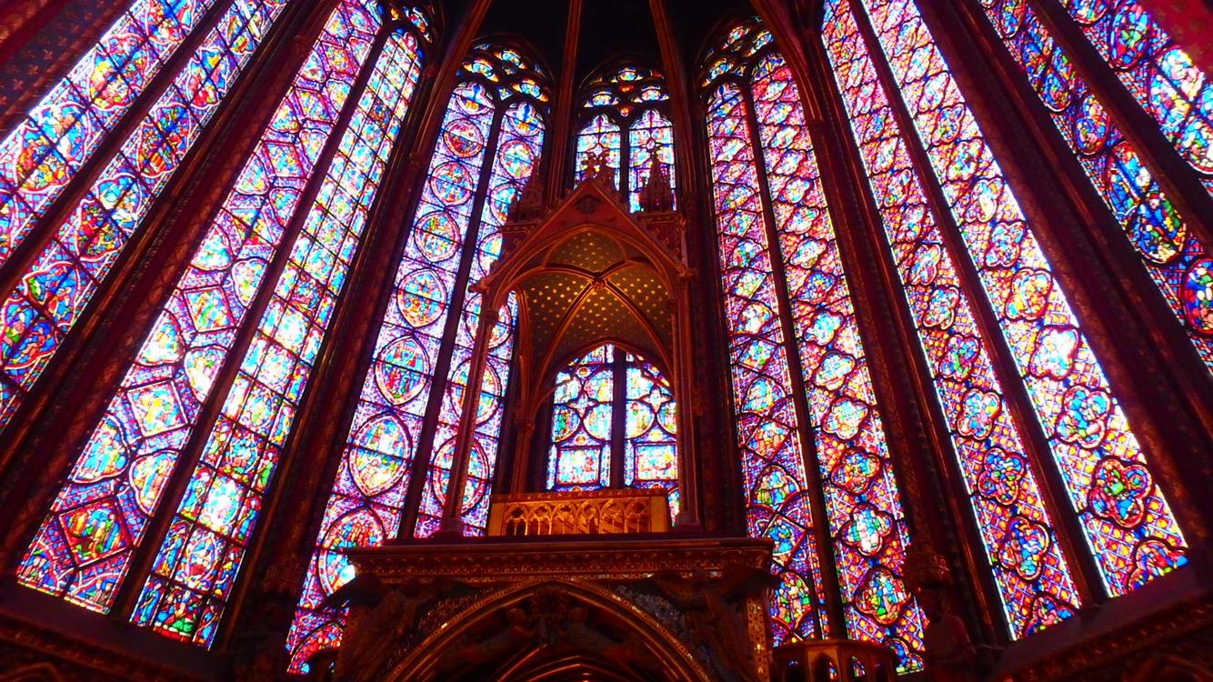 女性におすすめしたいパリのとても綺麗な教会