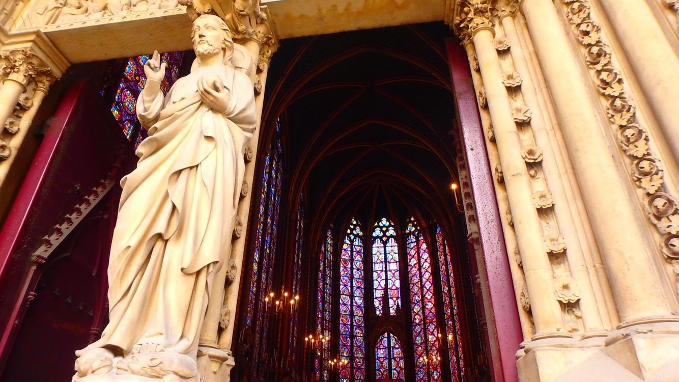 パリで一番綺麗な教会は絶対に行くべきスポット