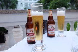 ベトナム ハノイ ソフィテルメトロポールホテルでビール
