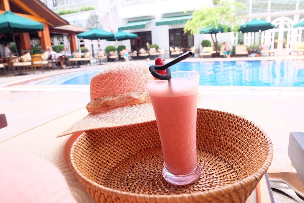 女子旅に人気のベトナム ハノイ プールでのんびり