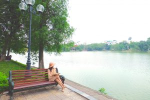ベトナム ハノイ 公園でお散歩