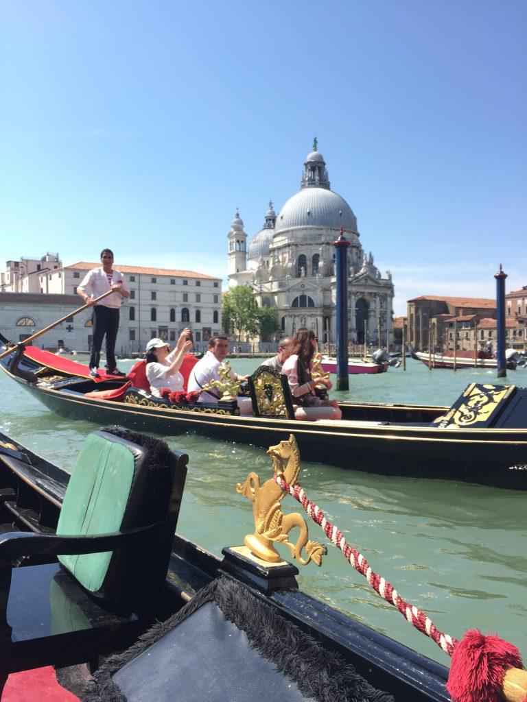 イタリアベネチアのおすすめ観光プライベートゴンドラ