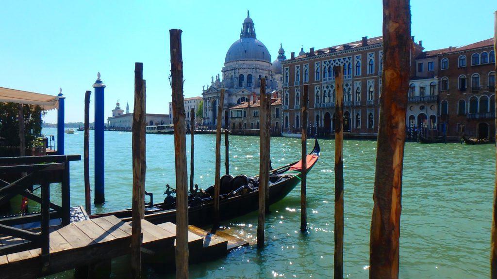 イタリアベネチアのゴンドラ乗船場