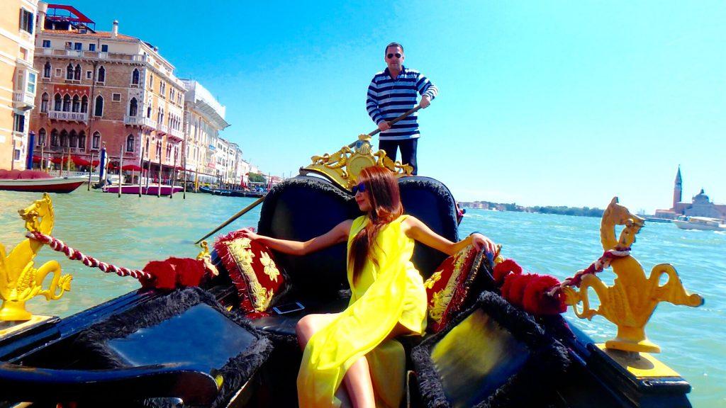 イタリアベネチアではプライベートゴンドラがおすすめ