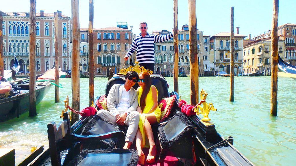 ベネチアでカップルやハネムーンにおすすめのプライベートゴンドラ