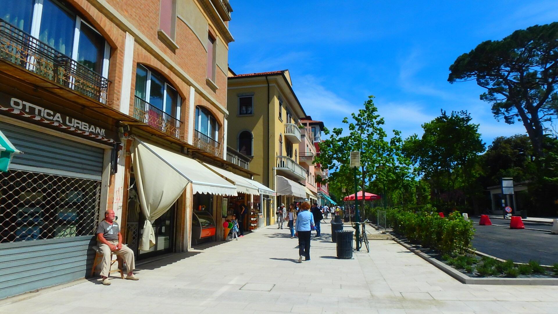 ベネチアの離島リド島にはローカルのカフェがたくさん