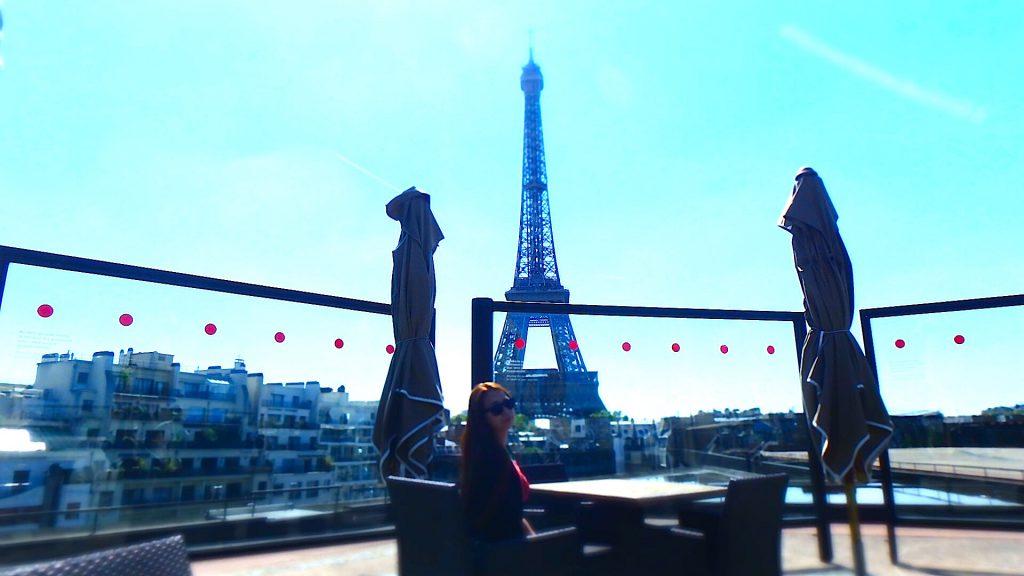 エッフェル塔が見えるレストラン パリ