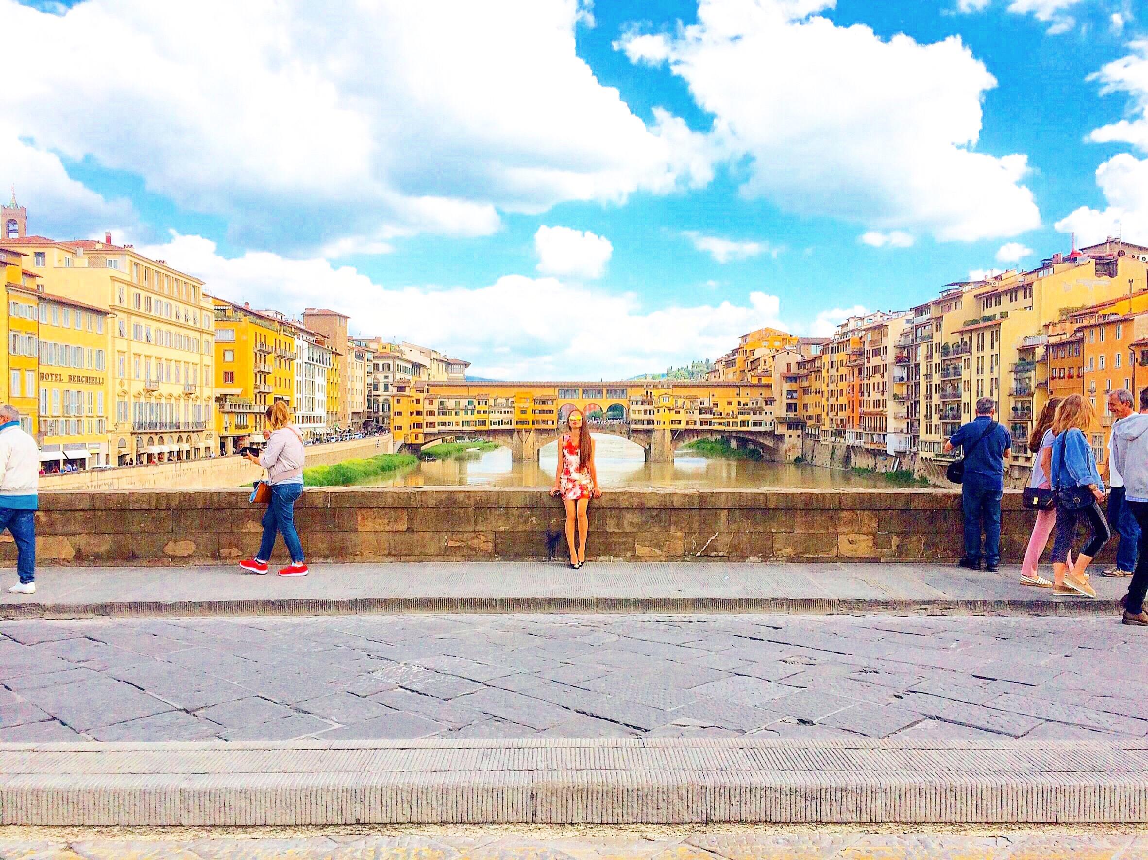 ベッキオ橋を通ってミケランジェロ広場へ