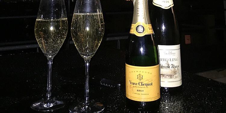 パリのスーパー Auchan シャンパンも安い