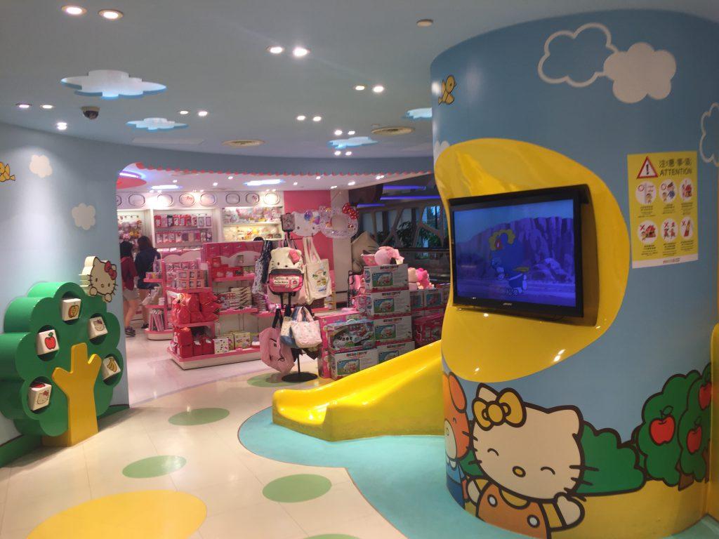 台湾桃園空港ハローキティーショップの店内キッズスペース