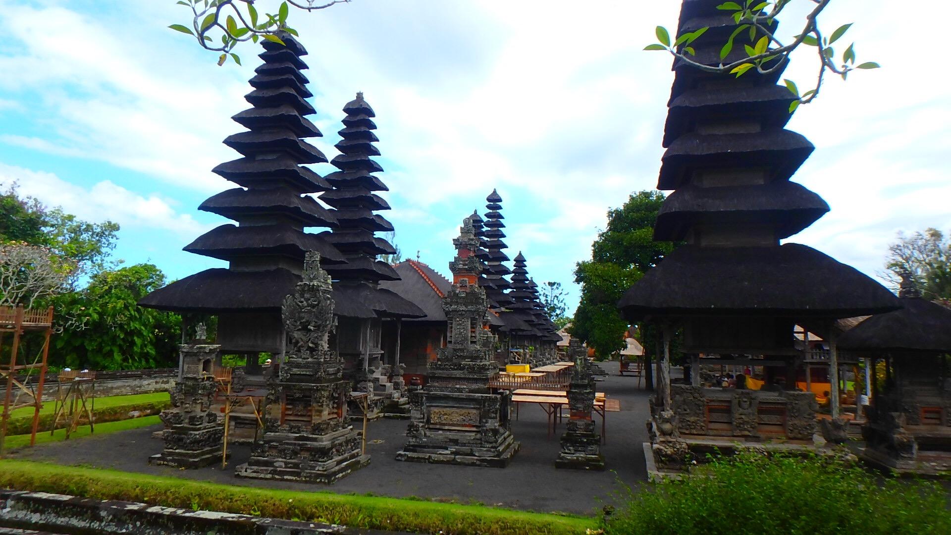 バリ島世界遺産タマンアユン寺院カーチャーター