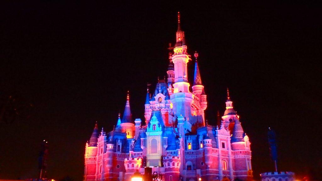 上海ディズニーランドのお城は世界最大