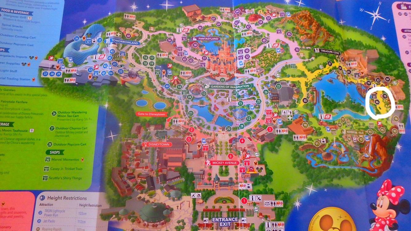 上海ディズニー スモークターキーレッグ お店の場所map