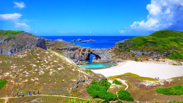 綺麗すぎる!小笠原諸島の「南島」
