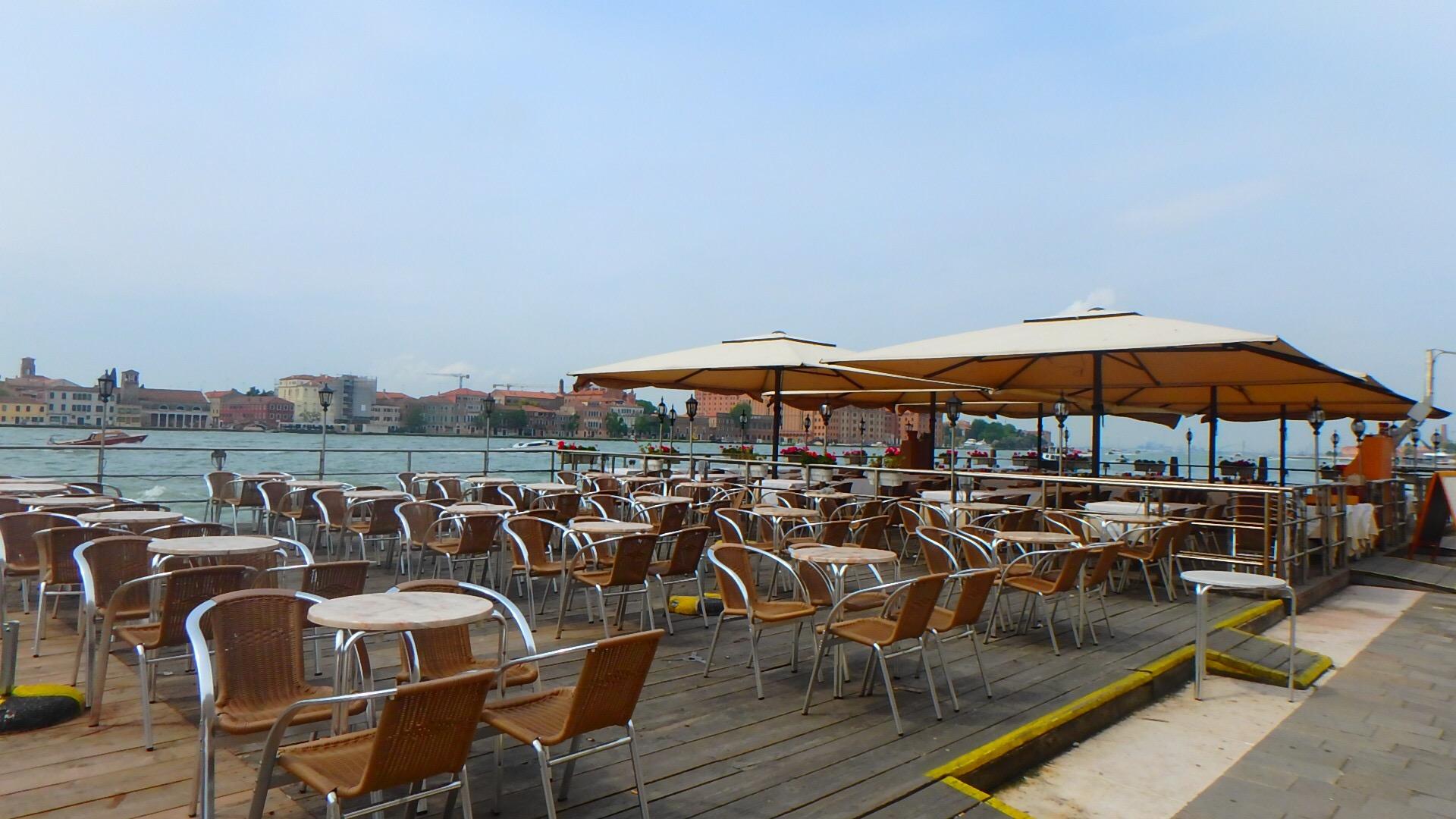 ベネチア 大運河沿い オープンテラスカフェ&レストラン