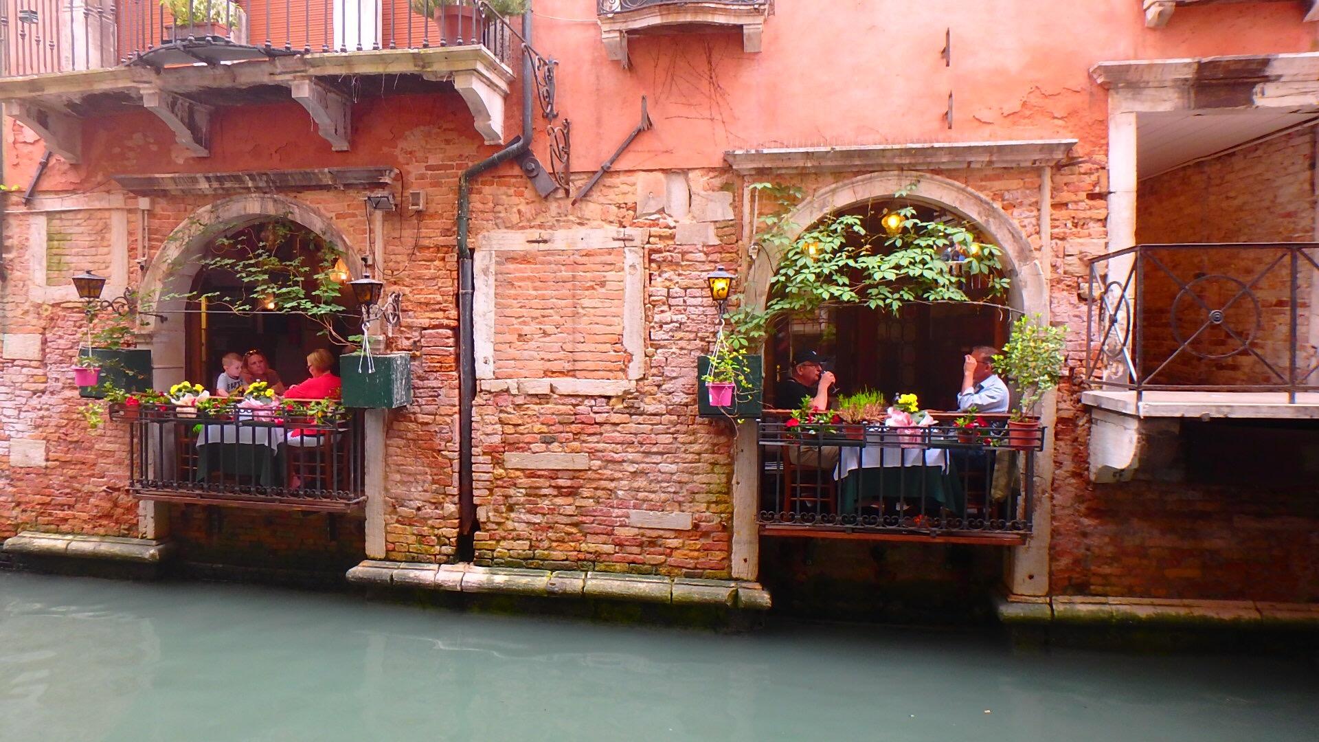 ヴェネチア お洒落なカフェレストラン