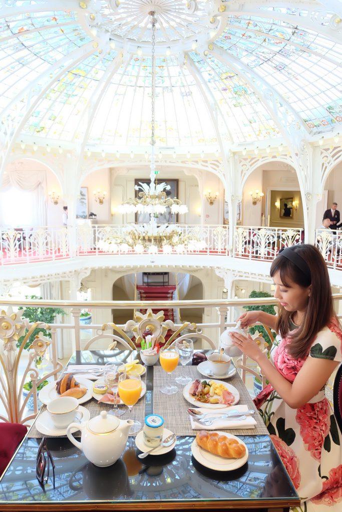 モナコのおすすめホテル エルミタージュ 可愛い朝食会場♡